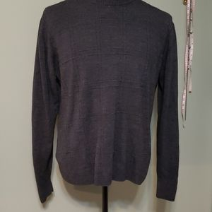 Men's lightweight pullover sweater